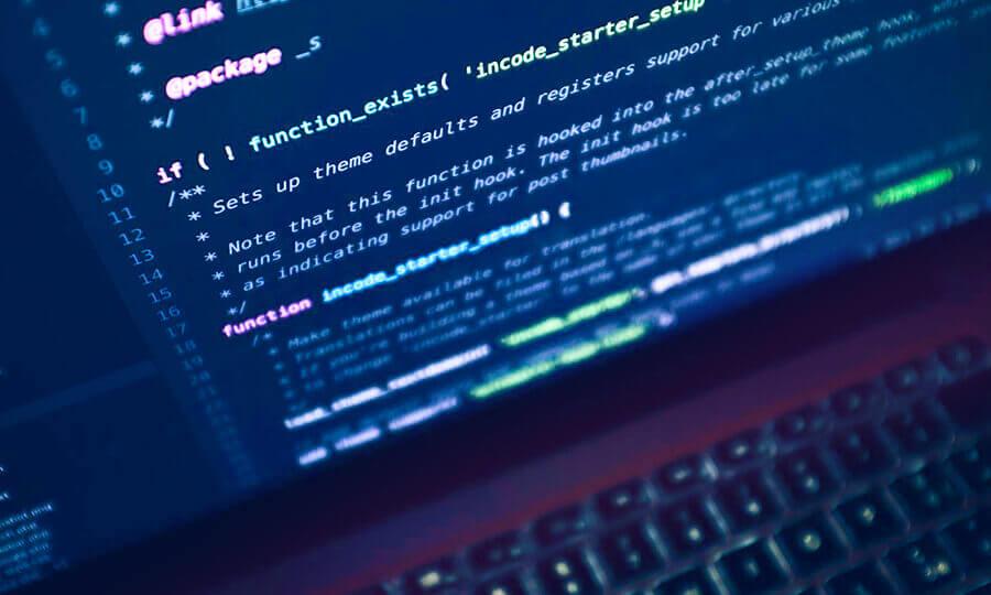 Écran ordinateur en développement web