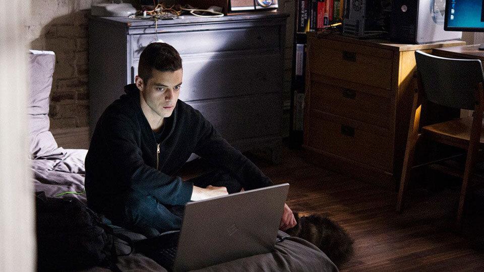 Série développeur web hacker Mr Robot